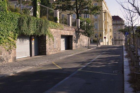 Puestos zonas de aparcamiento en praga mary 39 s for 3 costo del garage per metro quadrato